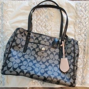 Coach Peyton Signature Double Zip Tote